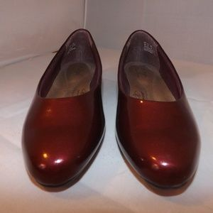 Soft Style Angel II Bordeaux Patent Low Heel Pumps